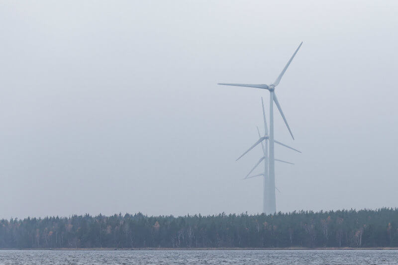 La capacidad disponible de generación de electricidad renovable alcanzó los 42 GW este año, superando los 40.6 GW provenientes de combustibles fósiles.