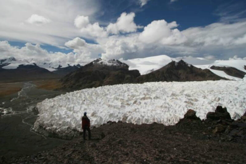 Los glaciares en la meseta de Qinghai-Tíbet se han reducido un 15% como resultado del aumento de las temperaturas en los últimos 50 años.