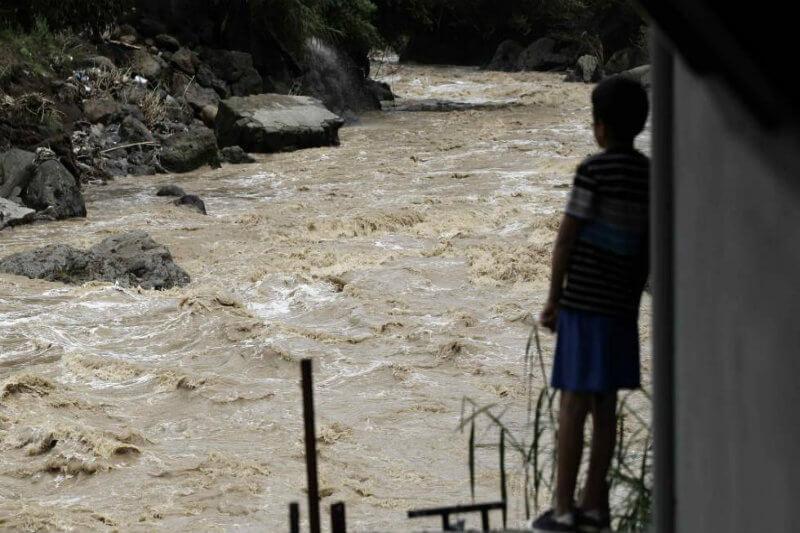 El cambio climático podría deteriorar las finanzas del estado, ya que aún tiene deudas de $300 millones, incurridas por desastres naturales recientes.
