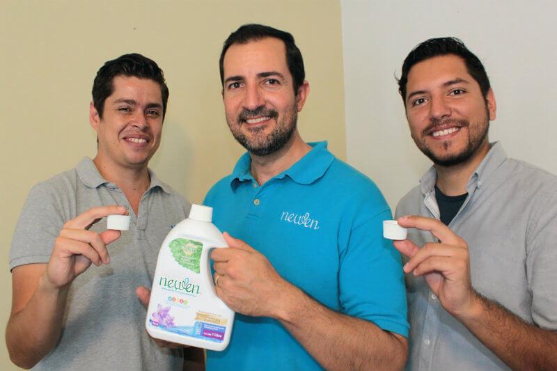 En México, la empresa te ofrece un jabón ecológico que te permite lavar en menos tiempo, gastando la mitad de agua y electricidad.