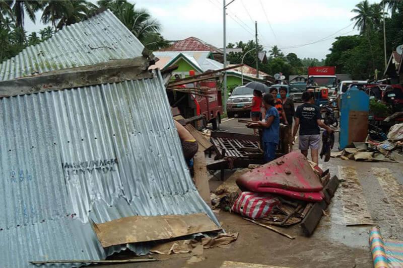 Bícol, con una población de 5.8 millones de personas, fue la región más afectada, con 68 fallecidos producto de las intensas lluvias y los aludes de barro.
