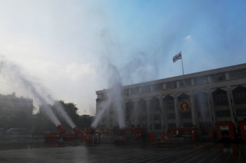 El nivel de partículas de polvo peligrosas conocido como PM 2.5 ha superado el nivel de seguridad en 30 de los 50 distritos de Bangkok durante días.