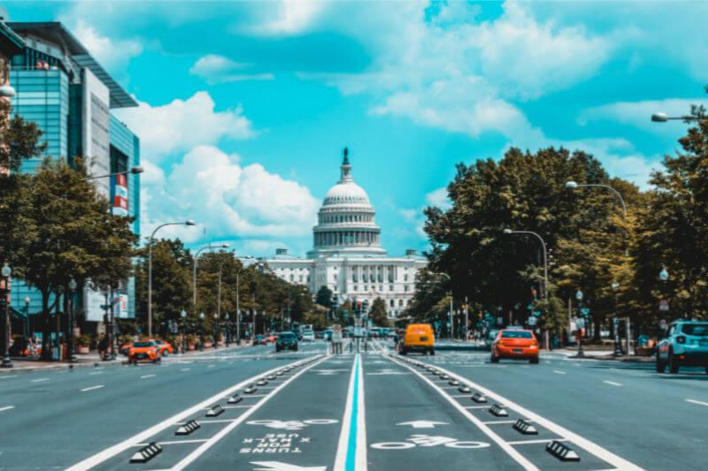El proyecto de ley del 100% de energías renovables para el 2032 es el estándar de cartera renovable más ambicioso actualmente entre los estados.