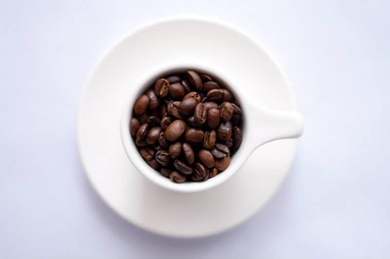 Según el Real Jardín Botánico de Kew, una de las variedades que se verá más afectada como consecuencia del calentamiento global será el café arábica.