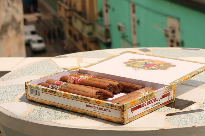 Expertos dijeron que la alteración del clima que se siente en la isla podría afectar la calidad y producción de cigarros.
