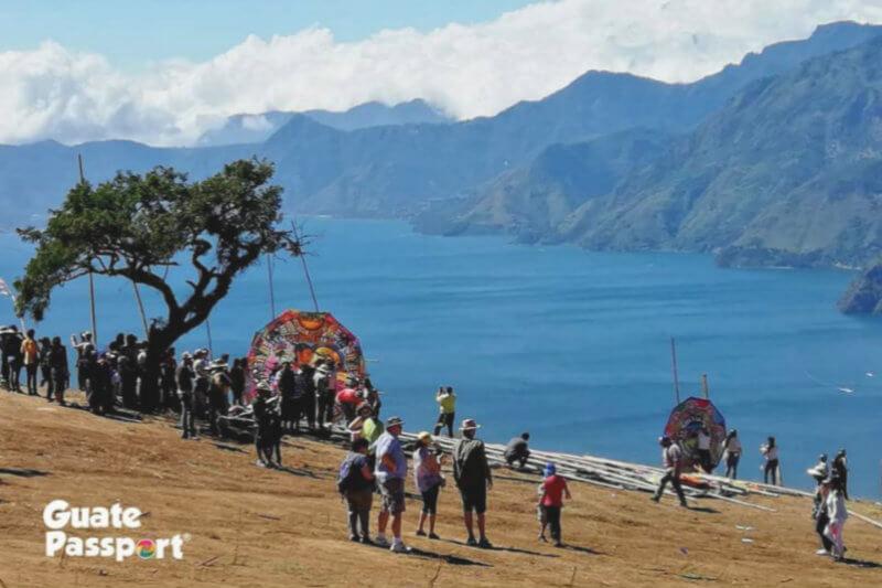 Iniciativa privada en Guatemala promueve un turismo sostenible al realizar campañas educativas, de sensibilización, de limpieza y reforestación.