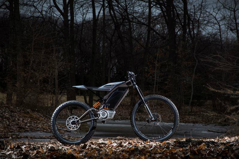 Harley-Davidson ha presentado una bicicleta montañera y un scooter, caracterizados por ser eléctricos, muy livianos y no poseer embrague ni engranaje.