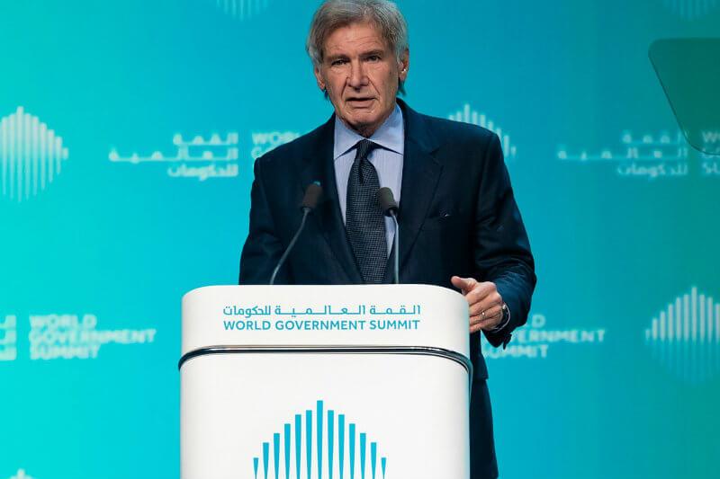 """El actor hizo un llamamiento a luchar contra el cambio climático y ha criticado a quienes """"niegan o denigran la ciencia"""" en un foro de gobernanza en Dubái."""
