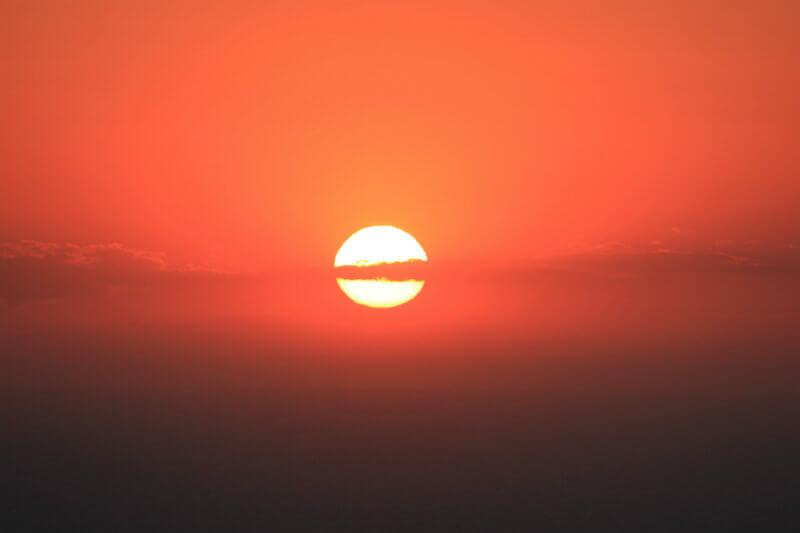 Según la DMC, el termómetro de la Estación Pudahuel marcó 39.3°C. La misma estación anotaba 37.7°C en 2017, la temperatura más elevada jamás registrada.