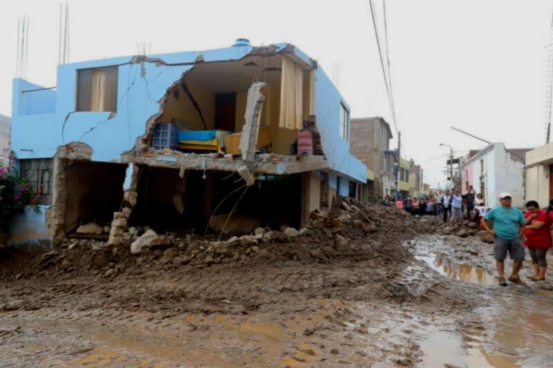 Las intensas lluvias han dejado un saldo de 39 fallecidos, 14 heridos y 8,299 afectados por las inundaciones y deslizamientos de lodo, según INDECI.