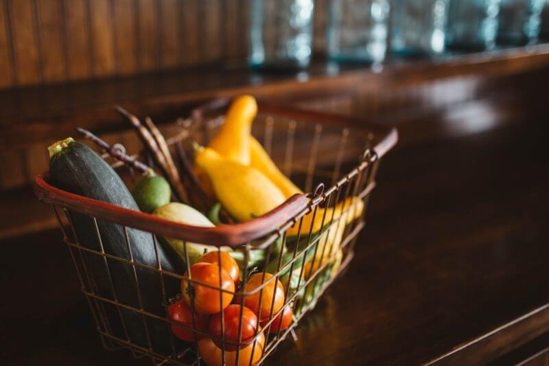 Carrefour permite que los clientes utilicen sus propios recipientes para reducir el consumo de embalajes de plástico y fomentar el uso de envases reutilizables.