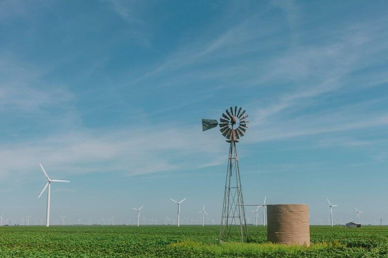 Investigadores sugieren que los países que recurren a fuentes de energía renovables y políticas climáticas, están progresando en la reducción de sus emisiones.