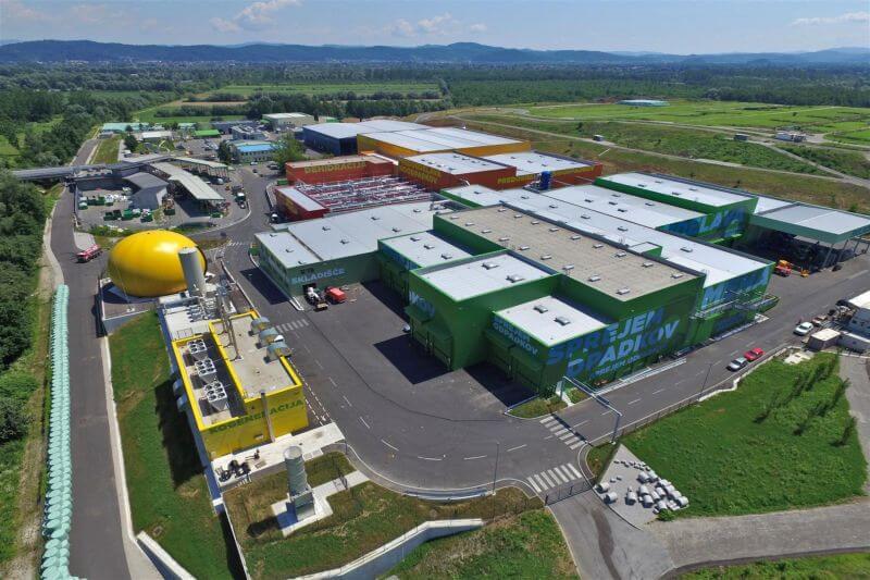 Liubliana cuenta con la planta de tratamiento de residuos más moderna del continente, RCERO, reciclando casi 170,000 toneladas de basura al año.
