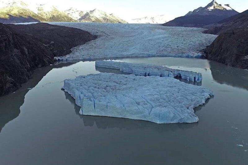 Dos nuevos desprendimientos en el glaciar Grey, elevaron las alertas sobre un eventual aumento en la frecuencia de estos fenómenos, advierten los científicos.