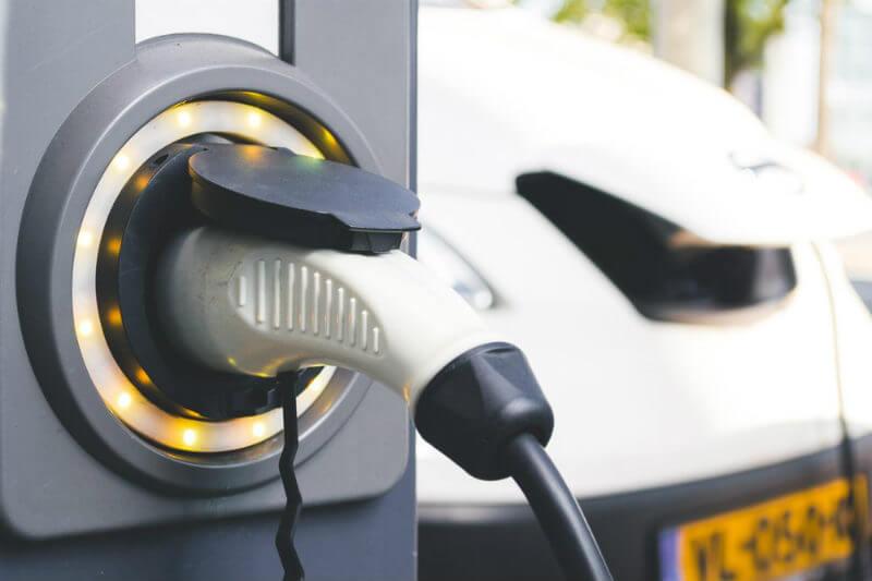 En 2023, la flota de taxis tendrá que ser 100% eléctrica, por ello se invertirá en sistemas inalámbricos de carga para responder a las necesidades de movilidad.