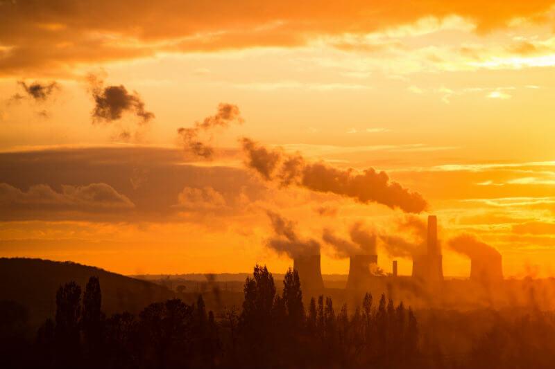 Según informe, la cantidad de centrales eléctricas de carbón que se están desarrollando en todo el mundo se ha derrumbado en los últimos tres años.