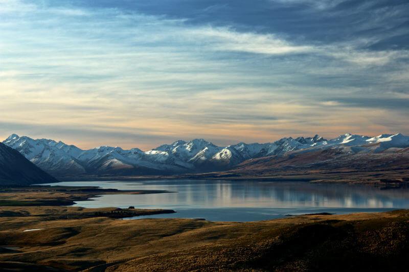 Nuevo estudio muestra que los glaciares están perdiendo 369 mil millones de toneladas de nieve y hielo cada año, más de la mitad en Norteamérica.