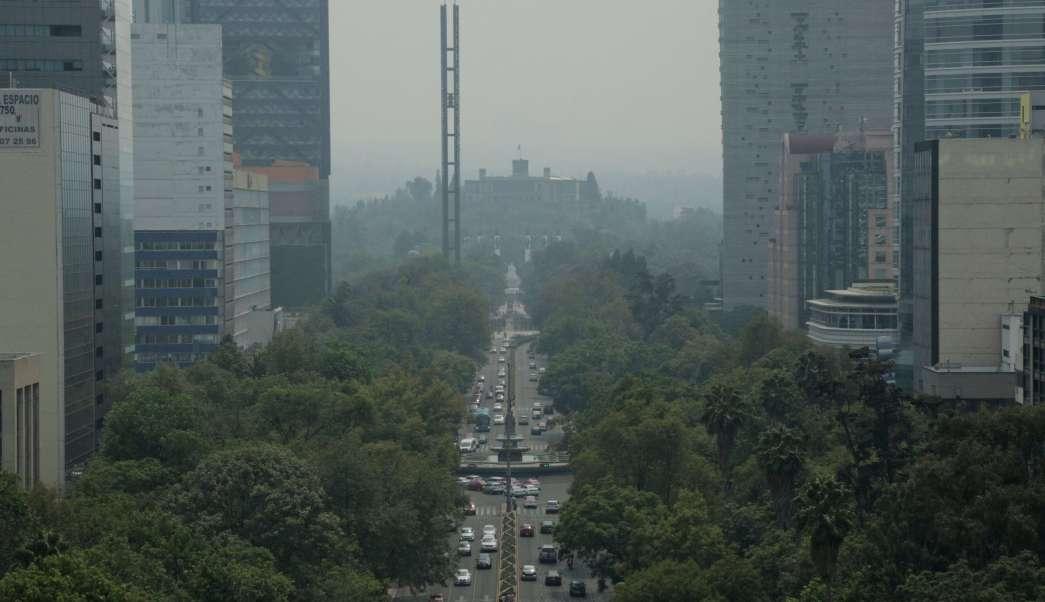 NASA muestra imagen satelital del impacto del aire en México por incendios forestales.