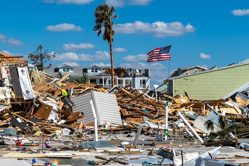 NOAA pronostica una temporada de huracanes superior a la del año pasado con huracanes de hasta categoría 3.