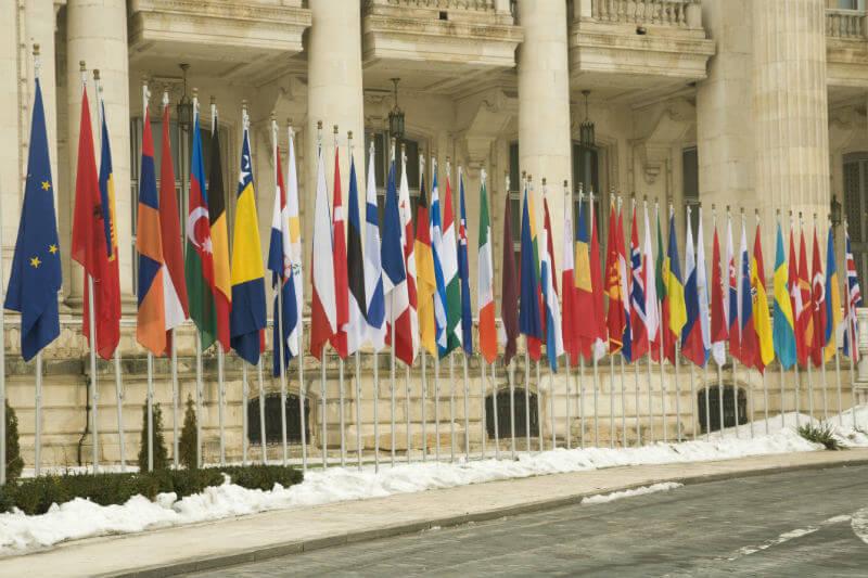 Solo 8 países están comprometidos a alcanzar los compromisos del acuerdo de parís para 2030.