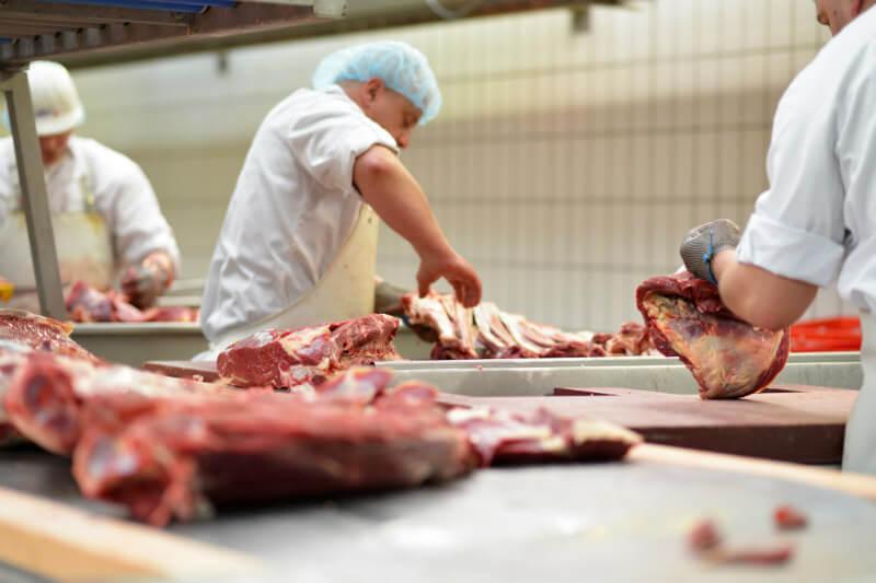 Todo lo relacionado con la producción animal tiene una huella de carbono más elevada mientras que en el otro lado de la balanza están los productos agrícolas.