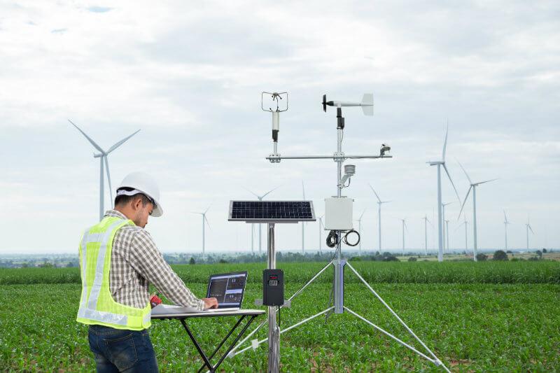 La tecnología avanzada puede recabar grandes cantidades de información para predecir patrones climáticos que no pueden calcularse manualmente.