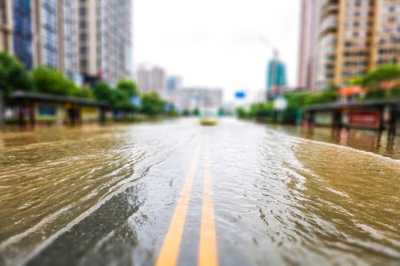 Según un informe, los muros marinos en 2040 podrían costar tanto como la inversión inicial en el sistema de autopistas interestatales en Florida de $76mm.