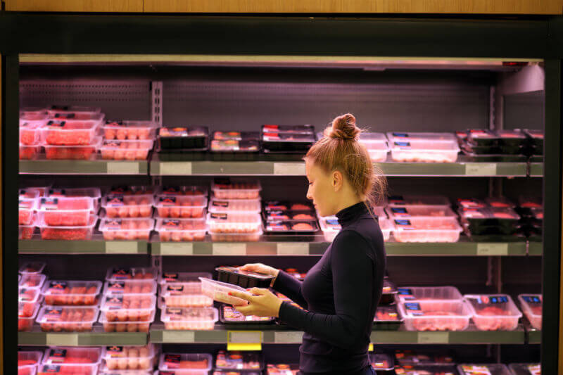 El consumo de carne de pollo en lugar de carnes rojas contribuye a la reducción de los gases que causan el calentamiento global.