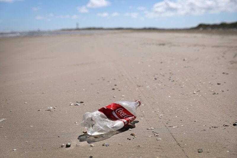Las dos compañías han renunciado a la asociación ya que buscan reducir drásticamente los plásticos de un solo uso en sus productos y envases.