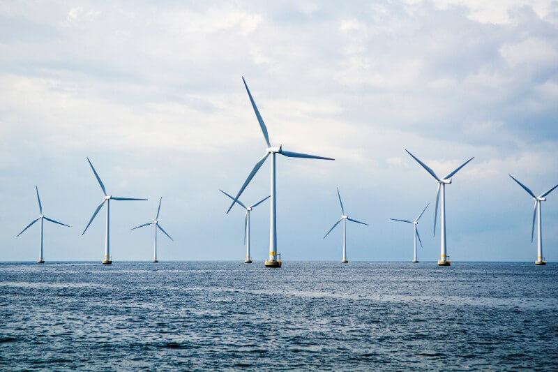 4.9 GW de capacidad de energía eólica terrestre y marina se ha instalado en la primera mitad del 2019.