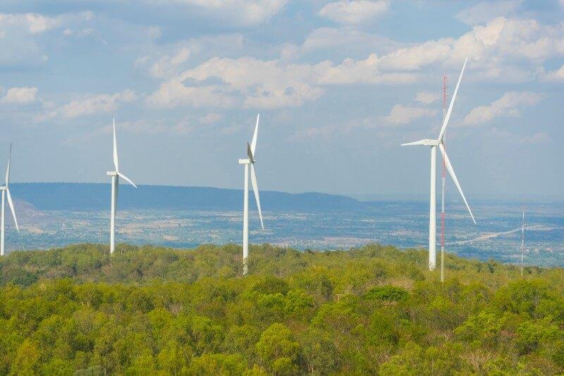 Investigadores estimaron en base a los cambios de velocidad por el viento, la tierra disponible y los más recientes diseños de turbinas futuristas.