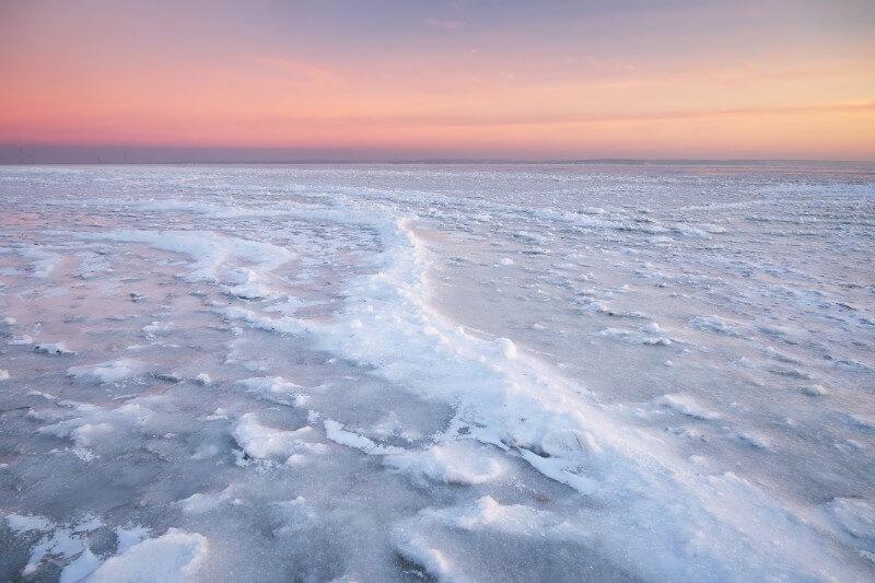 Se necesitarían al menos 12,000 aerogeneradores para impulsar bombas de agua de mar y cañones de nieve gigantes