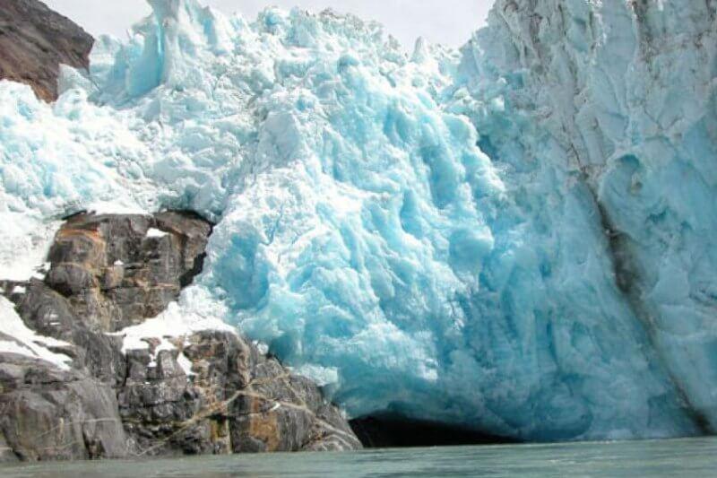 Una nueva forma de medir el deshielo ha desvelado que algunos glaciares en Alaska se derriten 100 veces más rápido de lo que habían previsto los científicos.