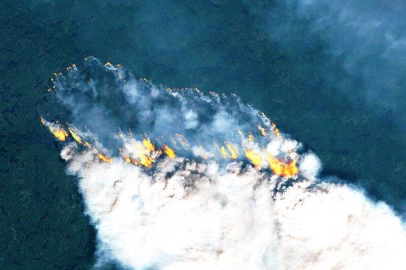 Altas temperaturas en sectores de Alaska y Siberia han batido récords, provocando incendios incontrolables y multiplicado las emisiones de CO2.