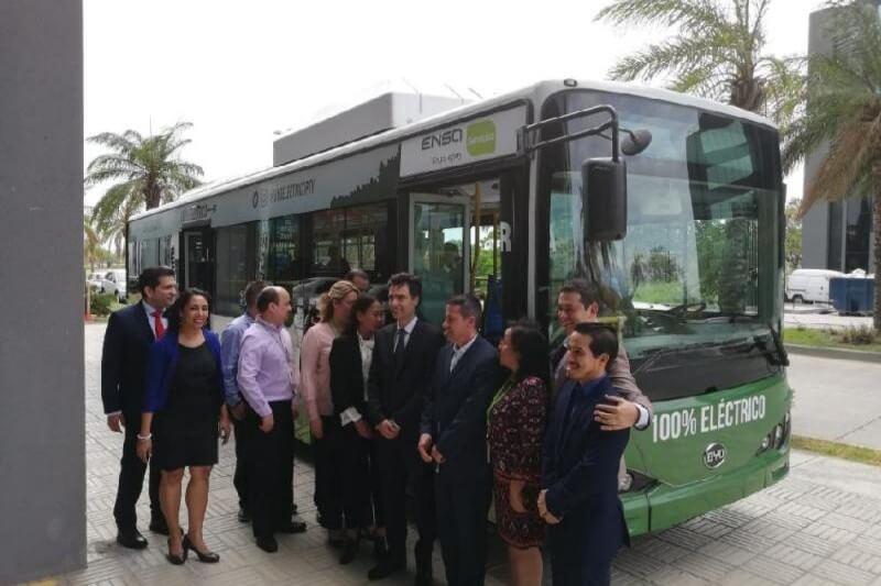 El nuevo bus es un modelo k9, con 12 metros de largo, autonomía de más de 300km y recorrerá las calles de la ciudad en los próximos meses.