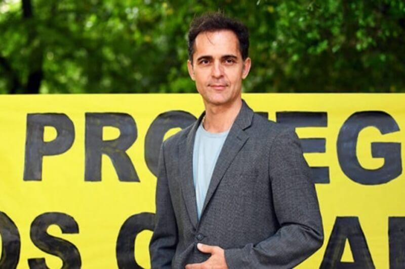 El director mexicano Manolo Caro y el actor español Pedro Alonso se unirán a la expedición de Greenpeace De Polo a Polo.