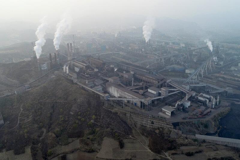 Beijing espera que el consumo del carbón aumente, incluso mientras intensifica su lucha contra el smog y emisiones de gases de efecto invernadero.