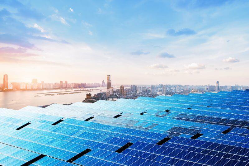 La industria solar de China se ha expandido rápidamente de un pequeño programa rural en la década de 1990 al más grande del mundo.