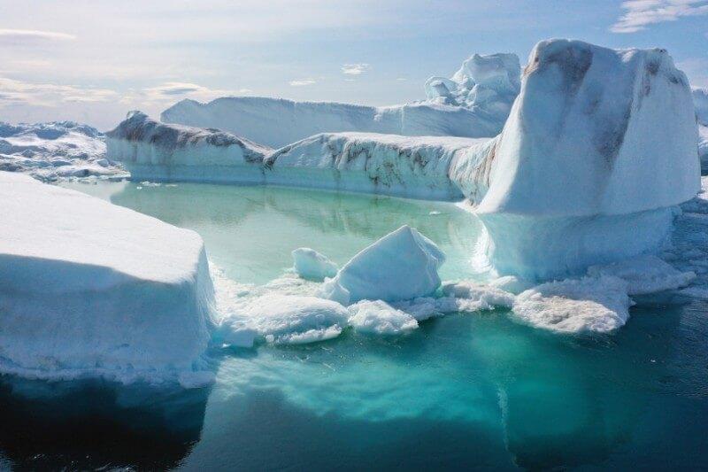 Científicos y la ONU alertan de los efectos nocivos del calentamiento global, del derretimiento del Ártico y el incremento de incendios en esa zona.
