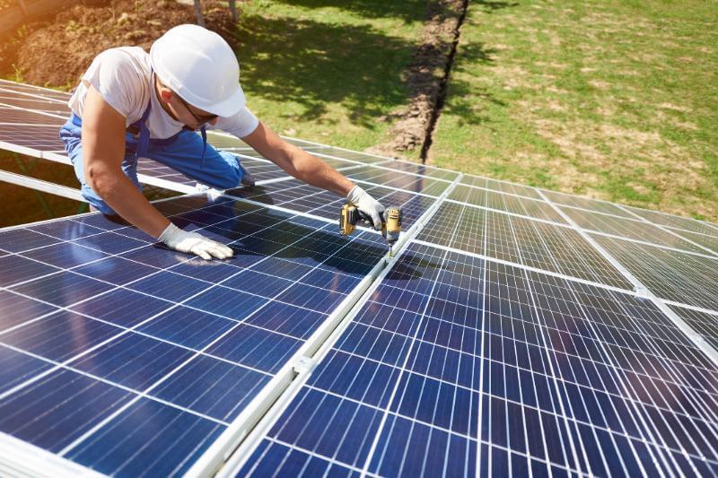 Se espera que los bajos precios de la subasta ayuden a impulsar la nueva capacidad de energía solar fotovoltaica 17.5% más que en 2018.