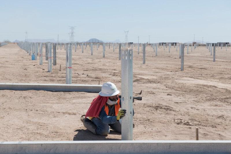 """El parque solar """"La Orejana"""", ubicado en Hermosillo, generará la energía suficiente para 223 mil hogares."""