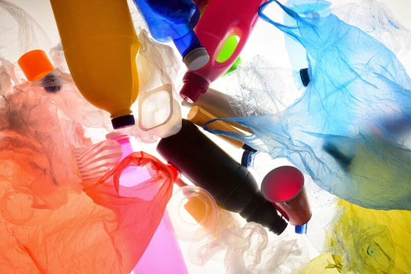 A partir del20 de julio de 2019,Panamá comenzó a prohibir el uso de bolsas plásticas de un solo uso para el transporte de productos y mercancías.