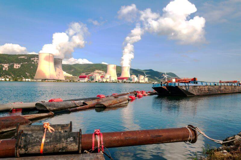 Uno de los diputados de Meryam Omi en LGIMse reunió con Exxon Mobil Corp. para discutir cómo el gigante petrolero podría abordar el cambio climático.