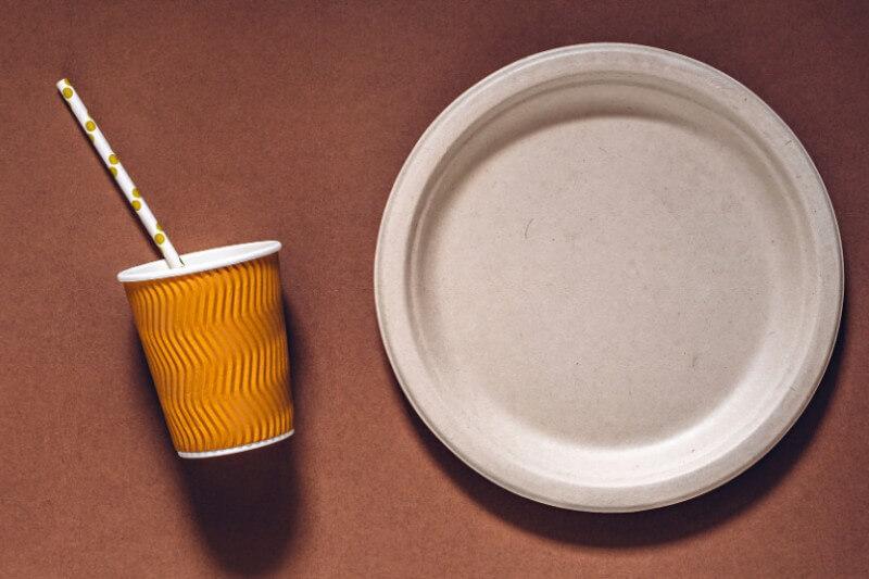 Materiales compostables podrían aumentar la contaminación al no resolver el problema del consumismo excesivo.