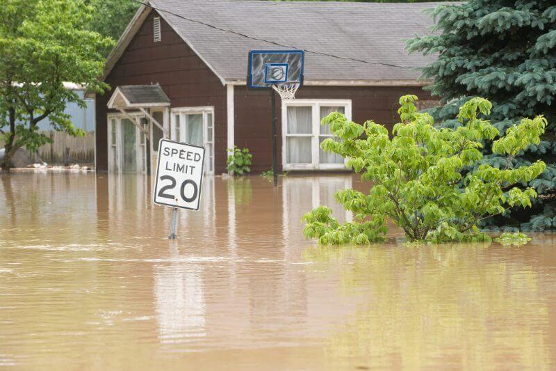 Las grandes pérdidas de seguros por desastres naturales en los últimos dos años aumentarán las tasas de renovación de reaseguros.