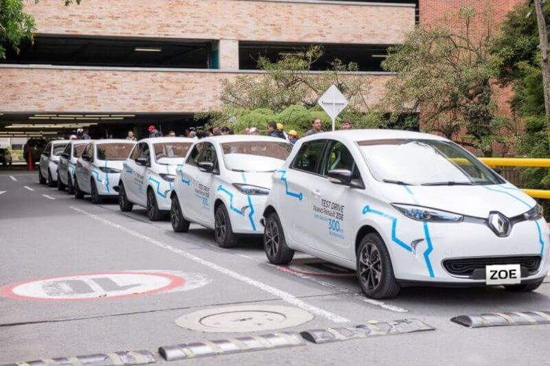 El Gobierno presentó un plan de movilidad para promover el uso de vehículos eléctricos con el objetivo de reducir las emisiones contaminantes.