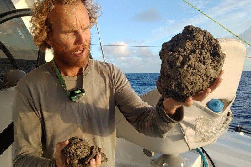 Los primeros avistamientos de esta isla de roca volcánica del tamaño de 20,000 canchas de fútbol fueron hechos por navegantes australianos.