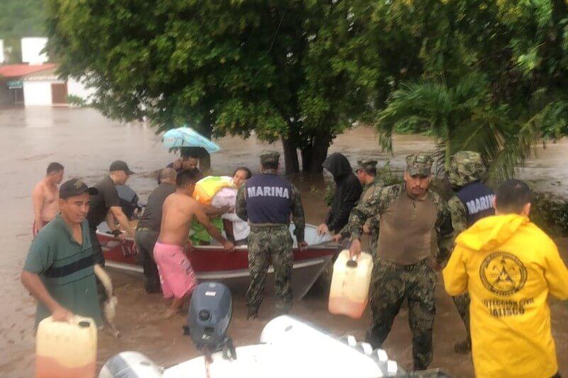 Las torrenciales lluvias del ciclón provocaron inundaciones, deslaves, desborde de ríos y daños en la agricultura de la zona costera de Jalisco.