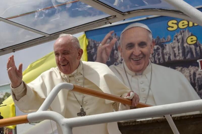 El Papa visitó Mozambique, Madagascar y Mauricio, donde denunció que la pobreza y la crisis climática son dos problemas que deben tratarse juntos.