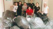 Los clientes llevan su basura a la tienda, donde se clasifica, se pesa y en función del peso se entregan vales de despensa.